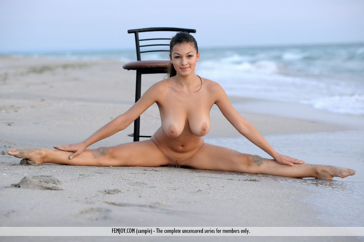 nude woman with large breasts