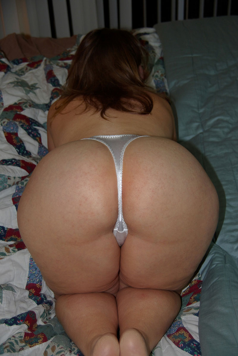 naked pussy and huge juggs