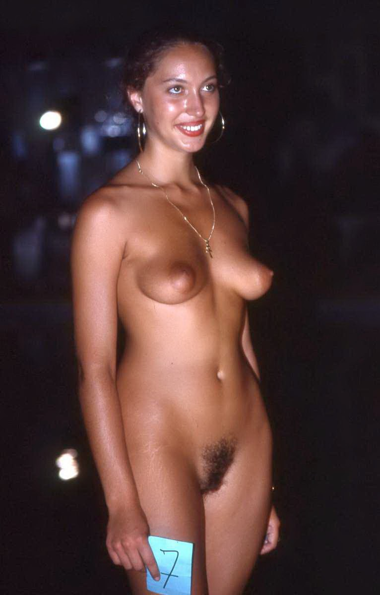 expose naked wife fantasy